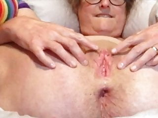 Mature Wife's Pussy Is Stretched, Cut Corners Jacks Absent Together With Cums
